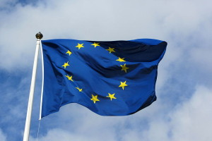 800px-European_flag_in_Karlskrona_2011