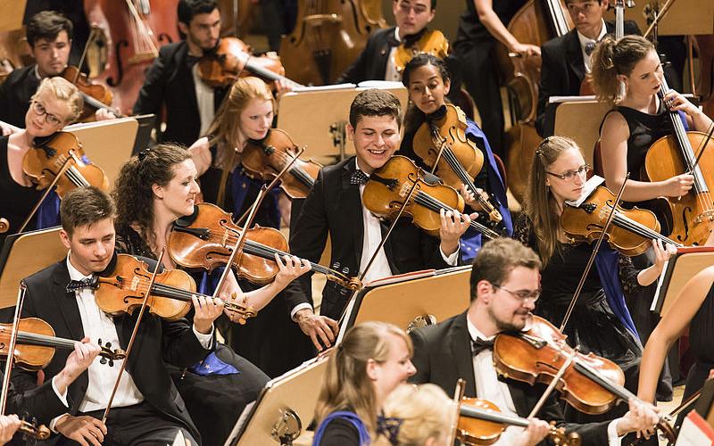 Salva l'Orchestra giovanile europea fondata da Abbado