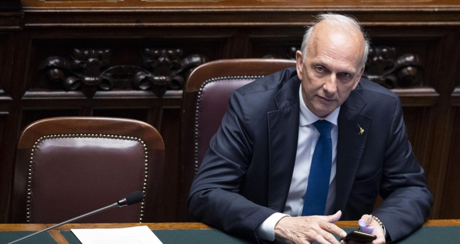 Prof.ssa sospesa: Bussetti ha mentito al parlamento? Governo riferisca